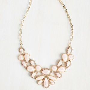 Jewelry - Blush pink necklace set